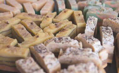 Naturalne mydła ręcznie robione czy przemysłowe syntetyki?