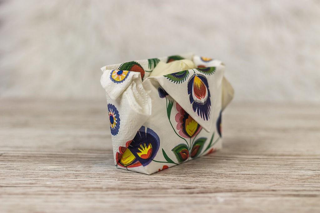 Jak kreatywnie zapakować mydło na prezent