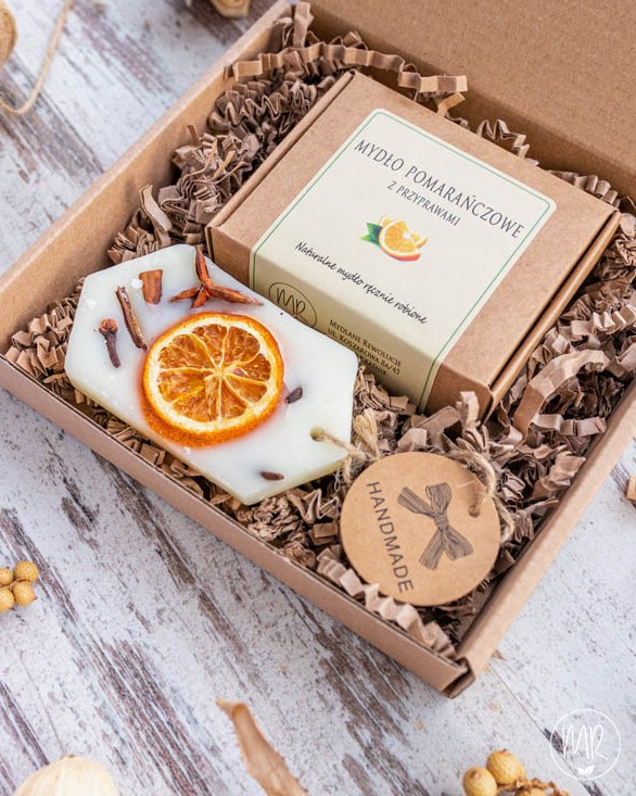 Zestaw prezentowy: 1 mydło naturalne (100g) + tabliczka zapachowa