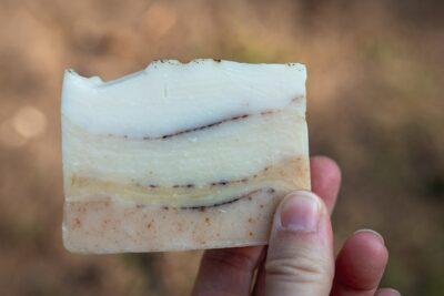 Rodzaje mydeł – mydło sodowe, glicerynowe czy potasowe?